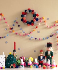 Pom Pom Wreath Tutorial: Getting ready for the Holidays | Small Good Things