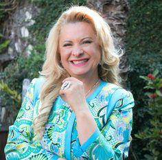 11/04 ♥ Lilian Gonçalves recebe Homenagem na Assembleia Legislativa do Estado de São Paulo ♥  http://paulabarrozo.blogspot.com.br/2016/04/1104-lilian-goncalves-recebe-homenagem.html