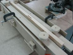 Router Parallel Mortising Jig