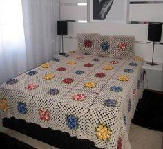 Crochet Bedspread Pattern, Crochet Blanket Patterns, Knitting Patterns, Flower Motif, Granny Square Blanket, Manta Crochet, Quilted Bedspreads, Crochet Home, Knitted Blankets
