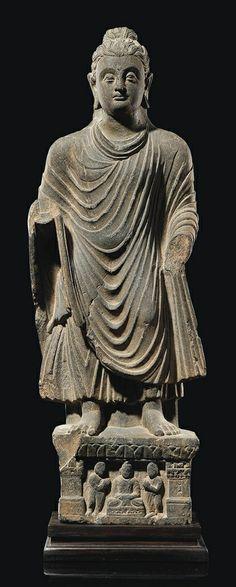 A GREY SCHIST STATUE OF BUDDHA GANDHARA, 2ND/4TH CENTURY