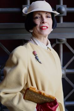 ADVANCED STYLE: A Beauty In Vintage