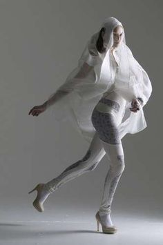 25 Transparent Fashions - From See-Through Dresses to Clear Haute Couture (CLUSTER)