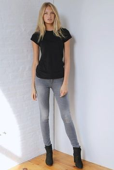 What are the best black crew neck fitted t shirts?  http://www.slant.co/topics/4620/~black-crew-neck-fitted-t-shirts  #blacktee #grayjeans