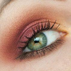 bronze sous l'oeil+rose orangé sur la paupière (rétrogirl)