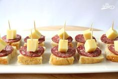 61 Super Ideas For Appetizers Finger Foods Picnic Shower Appetizers, Finger Food Appetizers, Appetizers For Party, Appetizer Recipes, Best Holiday Appetizers, Bite Size Desserts, Snacks Für Party, Savoury Cake, Clean Eating Snacks