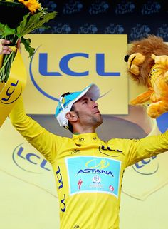 fights for women\'s rights at cycling races Vincenzo Nibali, Sport Man, News Stories, Ronald Mcdonald, Athlete, Cycling, Tours, Concept, Sports