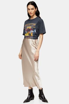 This mink satin bias maxi skirt nods to the stylish on-trend look that we just love. Flattering and part of the must-have fashion, this skirt complements casual tees to smart blouses. Skirt Images, Satin Skirt, Topshop Outfit, Must Haves, High Waisted Skirt, Asos, Shirts, Denim, Casual