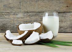 Te enseñamos a preparar tu propia leche de coco.