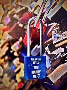 This is the most beautiful proposal <3 (and it's in Paris... does it get any better than that?)