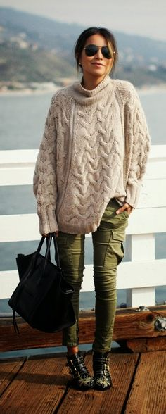 Fall trends | Oversized sweater, military khaki skinnies, black strapped shoes, black handbag Post Baby Style  #fourthtrimester #postpartumstyle