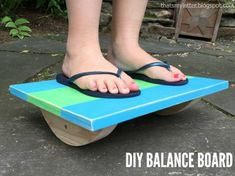 Woodworking Projects For Kids This balance board is a simple plan that makes a great kids toy and even better gift. It's a build that provides kids hours of a challenging, engaged activity all for very little cost in supplies. Kids Woodworking Projects, Wood Projects For Kids, Woodworking Plans, Diy Projects, Woodworking Furniture, Project Ideas, Sewing Projects, Baby Knitting Patterns, Crochet Patterns