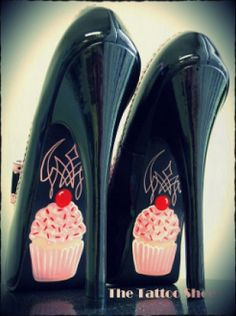 Faux black patent leather heels with giant bow and pink trim, custom hand painted with Cupcakes & Pinstripes. Painted using extremely durable Stripe & Sign paint. Very high quality and sturdy heels!