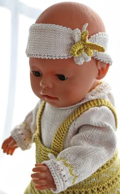 doll clothes patterns knitting - Your doll will be the belle of the ball in her new beautiful outfit Baby Doll Clothes, Doll Clothes Patterns, Clothing Patterns, Baby Dolls, Knit Crochet, Crochet Hats, Bitty Baby, Baby Knitting, Beautiful Outfits