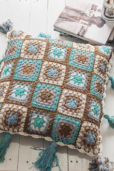 about Crochet Cushion Cover on Pinterest Crochet Cushions, Crochet ...