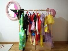 Como hacer un perchero para los disfraces de los niños. DIY. My Children, Wardrobe Rack, Kids Room, Birthday, Diy, Furniture, Home Decor, Fancy Dress For Kids, Games