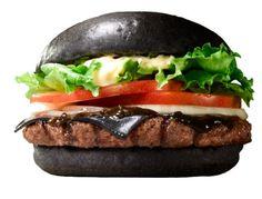 Nero il pane, nero il formaggio, nera la salsa. Burger King ha lanciato nei suoi fast food in Giappone due nuove specialità: il Kuro Pearl e il Kuro Diamond (Kuro in giapponese significa 'Nero').   http://amedeoliberatoscioli.blogspot.it/2014/09/burger-king-kuro-pearl-e-il-kuro-diamond.html