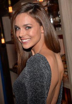 Photos : Marine Lorphelin sexy en robe moulante chez Maxim's