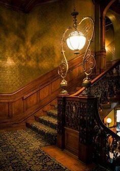 Amazing Victorian Stairs Designs With Gothic Style - TopDesignIdeas Victorian Interiors, Victorian Decor, Victorian Homes, Victorian Stairs, Victorian Era, Modern Interiors, Victorian Lighting, Architecture Design, Victorian Architecture