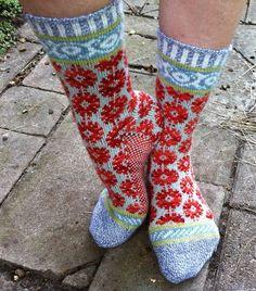 Knitting Stitches, Knitting Socks, Hand Knitting, Knitting Patterns, Knit Socks, Crazy Socks, Cool Socks, Unique Socks, Fair Isle Knitting