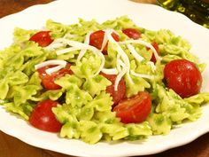 The Barilla Mini Farfalle with Creamy Green Peas, Cherry Tomatoes & Mozzarella Cheese is easy and delicious, meaning less time in the kitchen and more time outside! Get the recipe and enter for your chance to win a $3,000 Al Fresco Dining Makeover.