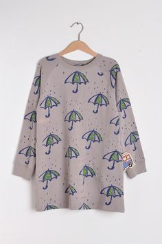 Sweatshirt dress with all over Umbrella print with brushed finishing inside. This is a raglan style dress. Barcelona, Sweatshirt Dress, French Terry, Organic Cotton, Fashion Dresses, Umbrellas, Pure Products, Sweatshirts, Blouse
