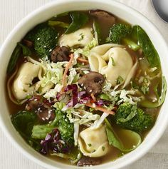 Ginger-chicken wontons, fresh broccoli, spinach, napa cabbage blend, roasted mushroom and onion blend and Thai chili vinaigrette with cilantro and sesame seeds in our hen broth.-Visit PaneraBread.com for more inspiration.