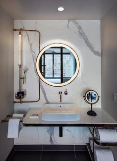 In order to design your luxury bathroom make sure to utilize geometric shapes, patterns, minimal colors and mid-century furniture. Bad Inspiration, Bathroom Inspiration, White Bathroom, Modern Bathroom, Bathroom Art, Small Bathroom, Home Design, Design Ideas, Tadelakt