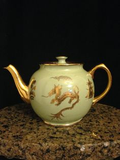 VINTAGE 1940's Sadler TEAPOT  Porcelain Pale by CoCoBlueTreasures, $72.00. I love dragons. There is simply something so wonderous about them.