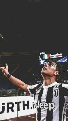 Ball is Life (Visited 59 times, 1 visits today) Soccer Guys, Football Boys, Football Memes, Football Players, Juventus Players, Ronaldo Juventus, Juventus Italia, Paris Saint Germain Fc, Legends Football