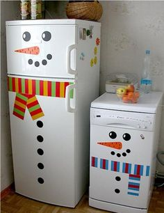 Creative Idea for Your Kitchen: Christmas Fridge Magnets