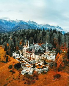 Peles Castle, Visit Romania, Building Art, Building Architecture, Amazing Architecture, Europe Photos, Culture Travel, Land Scape, In This World