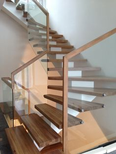 Midtvange trapp | center string stair patina steps Wood Staircase, Modern Staircase, Spiral Staircase, Staircase Design, Glass Stairs, Loft Room, Small House Plans, Stairways, Interior Design