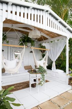 Large backyard landscaping ideas are quite many. However, for you to achieve the best landscaping for a large backyard you need to have a good design. Outdoor Seating Areas, Outdoor Rooms, Outdoor Gardens, Outdoor Living, Outdoor Decor, Patio Design, Garden Design, Patio Grande, Large Backyard Landscaping