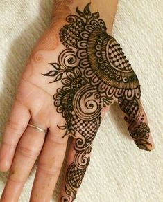 Hina, hina or of any other mehandi designs you want to for your or any other all designs you can see on this page. modern, and mehndi designs Henna Hand Designs, Henna Tattoo Designs, Mehndi Tattoo, Henna Tatoos, Mehndi Designs Finger, Mehndi Designs Book, Simple Arabic Mehndi Designs, Mehndi Designs For Girls, Mehndi Designs For Beginners