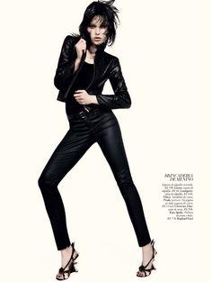 Tati Cotliar Vamps up the Pages of Harpers Bazaar Brazil June 2012