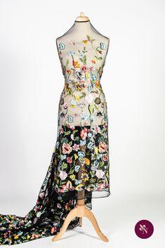 Dantelă multicoloră pe bază din tulle negru elastic, cu ochiuri mici. Dantelă cu design floral realizat din fire lucioase multicolore. Modelul dantelei este amplu, desfășurat pe întreaga suprafață a materialului, fără borduri distincte. Dantela poate fi utilizată pentru confecționarea rochiilor de ocazie și a altor articole vestimentare. Formal Dresses, Floral, Design, Fashion, Dresses For Formal, Moda, Formal Gowns, Fashion Styles, Flowers