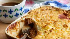 An easy recipe for a delicious homemade shepherd's pie...