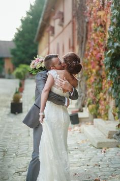 Mariage chic et original au Parc du Domaine de Pontcarré  immortalisé par Eléna Decaen.