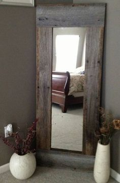 Full Length Barn Wood Mirror For hallway DIY with cheap mirror and repurposed wood - 40 Rustic Home Decor Ideas You Can Build Yourself - Page 7 of 9 - DIY Crafts Barn Wood Mirror, Rustic Mirrors, Barn Wood Decor, Barn Wood Headboard, Headboard Ideas, Rustic Headboard Diy, Wood Home Decor, Barn Wood Shelves, Pallet Mirror Frame