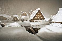 Epic snow in Shirakawa-go
