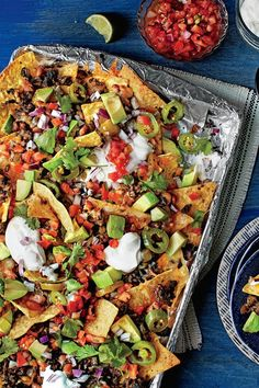 45 Fresh and Fabulous New Recipes Sheet Pan Nachos - 45 Fresh and Fabulous New Recipes - Southernliving. Mexican Food Recipes, Beef Recipes, Cooking Recipes, Nacho Recipes, Cooking Ham, Hamburger Recipes, Low Carb Diets, Best Nacho Recipe, Leaky Gut