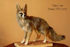 Needle felted fox fox figurine fox por MinzooNeedleFelting en Etsy