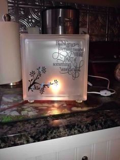 Frosted glass block with vinyl phrase on family and blue birds. This block comes with a night light bulb. The glass block has pebble glass feet. Painted Glass Blocks, Decorative Glass Blocks, Lighted Glass Blocks, Glass Cube, Glass Boxes, Glass Block Crafts, Glass Craft, Glass Brick, Vinyl Crafts