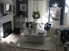 miniature nautical living room (miniatyrmama.blogspot.com)
