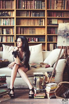 French Girl in Library - Villa Picasso in #Paris
