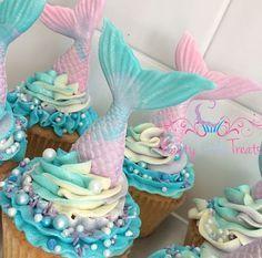 Ideas cupcakes mermaid diy for 2019 Mermaid Birthday Cakes, Mermaid Cupcakes, Unicorn Birthday, Sirenita Cake, Ocean Cakes, Rhubarb Cake, Mermaid Baby Showers, Mermaid Diy, Mermaid Parties