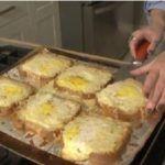 Tip na super rychlou večeři: zapečené toustové chleby s vajíčkem a sýrem - Mashed Potatoes, Good Food, Breakfast, Ethnic Recipes, Tips, Whipped Potatoes, Morning Coffee, Smash Potatoes, Healthy Food