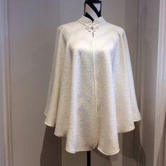 Ivory cape/cloak wedding cape maternity cape by SissyandTodo Wedding Cape, Bridal Cape, White Cloak, Grey Poncho, Cape Dress, Pregnancy Outfits, Bias Tape, Ivoire, Blouse Styles