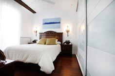 fotografo decoración San Sebastián Bed, Furniture, Home Decor, Advertising Photography, Decoration Home, Stream Bed, Room Decor, Home Furnishings, Beds